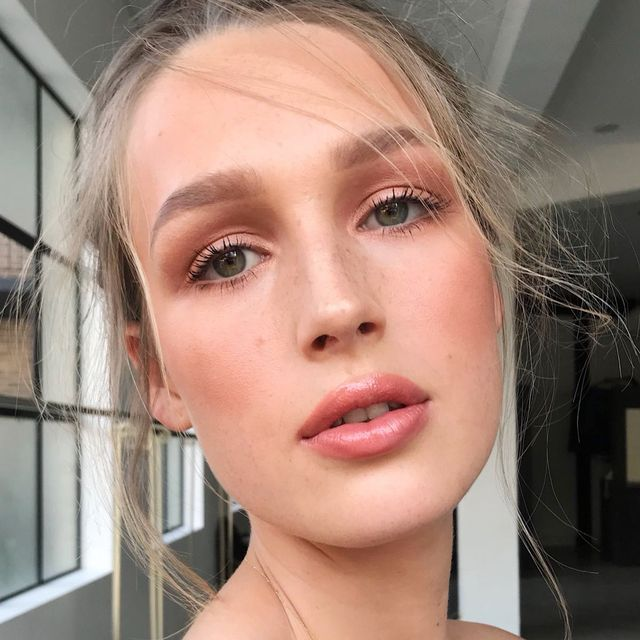 This Natural Highlighter Is the Secret to Glowy Winter Skin