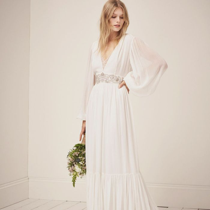 78fc1f59df4 This Chill Wedding Dress Trend Has Just Spiked by 75% on Pinterest