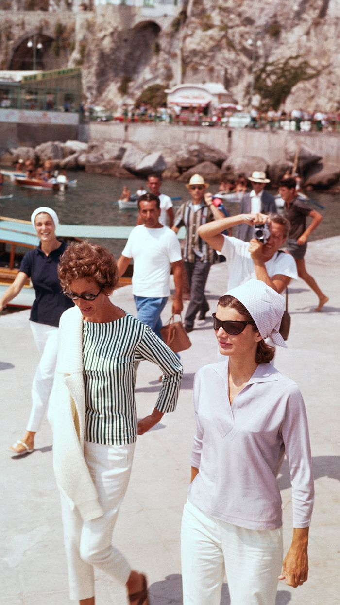 Jackie Kennedy Onassis Summer Style Outfits | Who What Wear