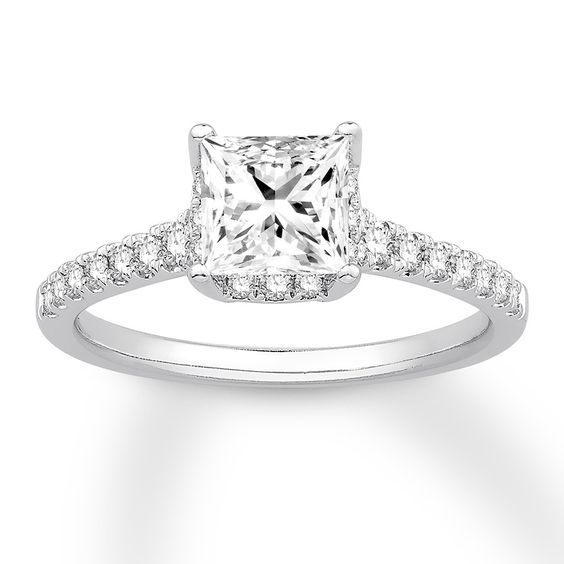 15 Princess Cut Engagement Rings Too Pretty To Resist