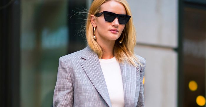 Rosie Huntington-Whiteley Just Wore the Ultimate Nice Top–and-Jeans Combo
