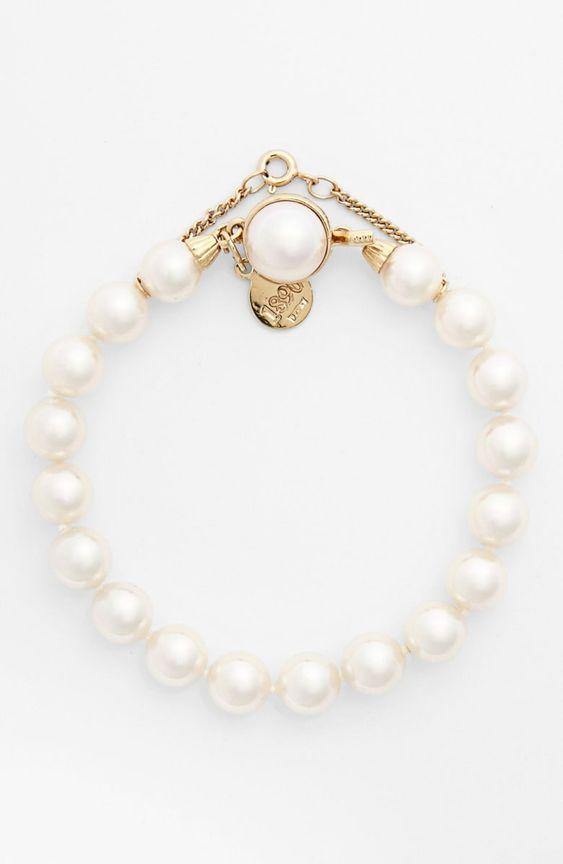 best wedding accessories: pearl bracelet