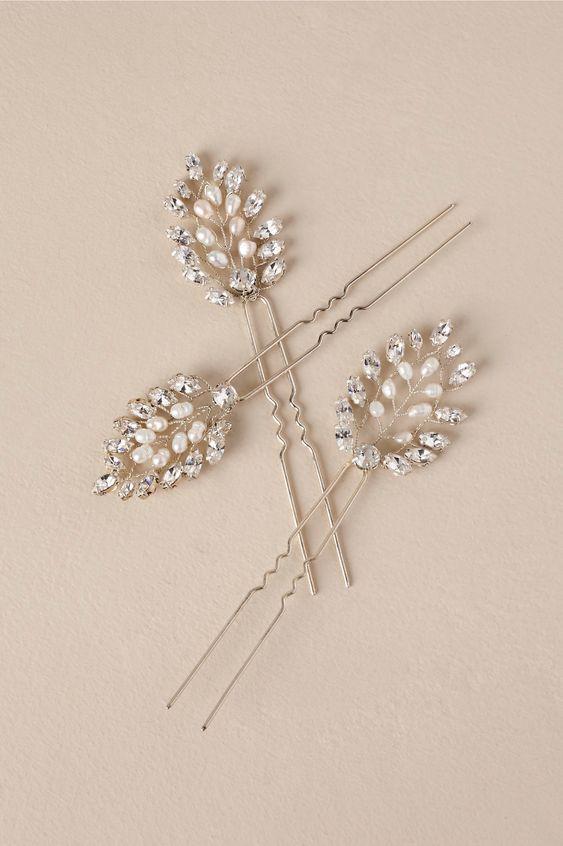 best wedding accessories: hairpins