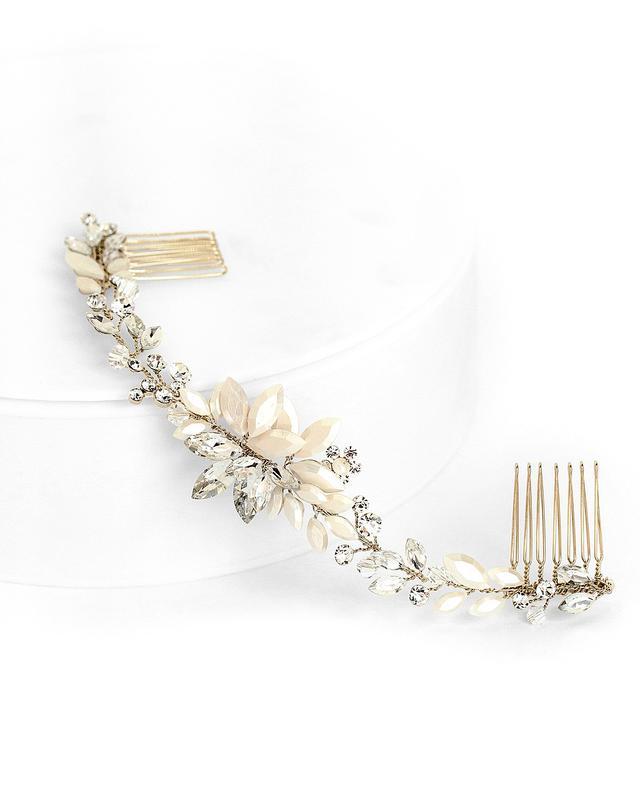 best wedding accessories: halo comb
