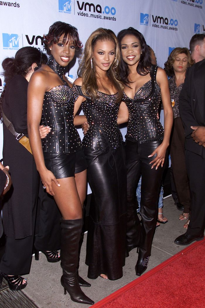 15 Vmas Photos From The 00s That Will Ignite Your