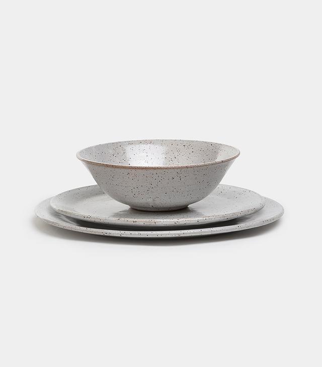 Meghan Flynn Dinner Plate in Speckled Stone