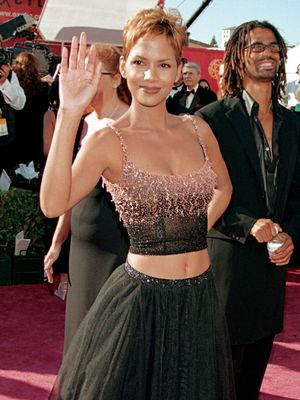 Jennifer Aniston, Halle Berry, and 13 Other Women Who Ruled the '90s Emmys