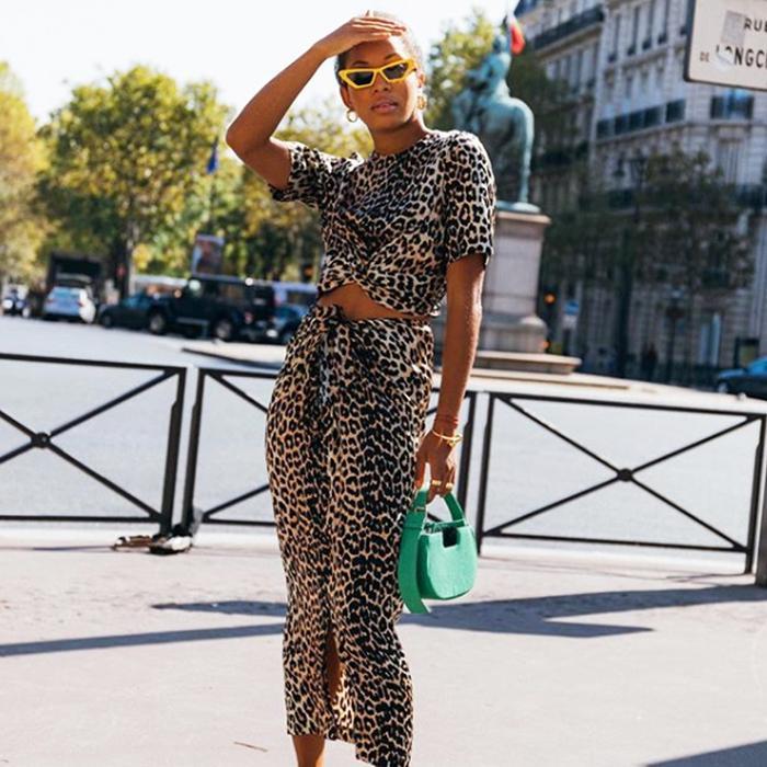 80730e98b5a0e1 Saint Laurent abstract print pussybow blouse ( 1