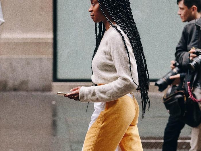 31608162b52fb The New Jean Trends Everyone Is Wearing in NYC Right Now | Who What Wear