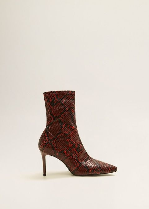 The One Pair Of Fall Boots I M Losing It Over Who What Wear