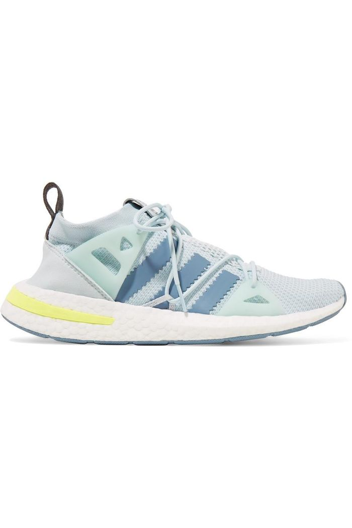 meet e95f4 eb2a7 The New Sneaker Styles That Look Best With Jeans   Who What Wear