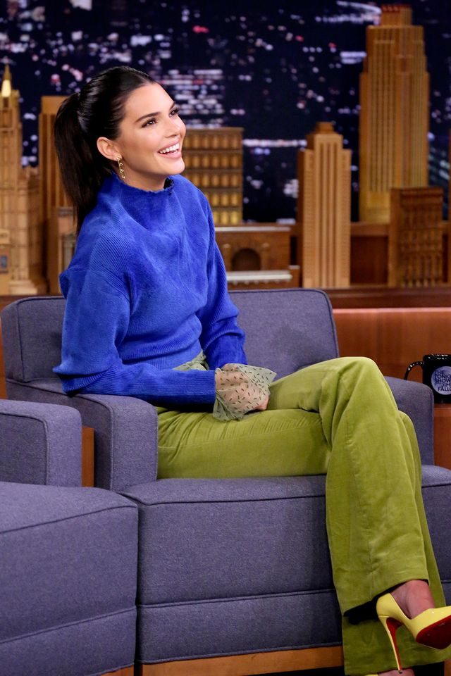Kendall Jenner chainlink earrings