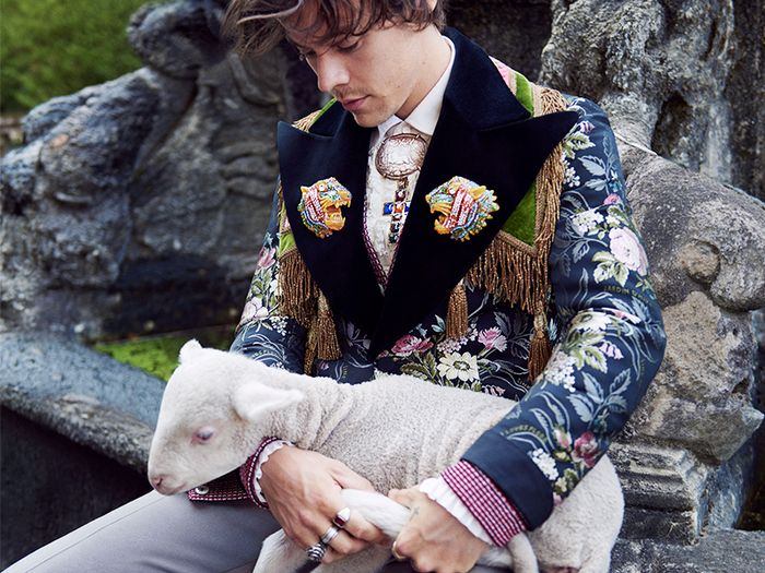 710a7768 Harry Styles Fashion: 17 Outfit Ideas I Stole From Him | Who What Wear UK