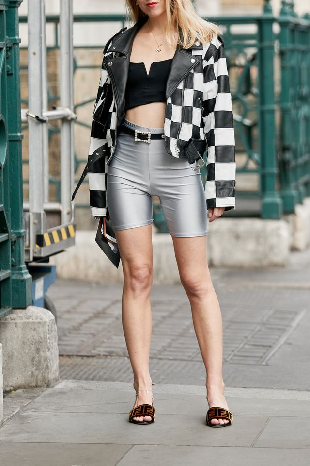 Street style outfits 2018: bike short outfits
