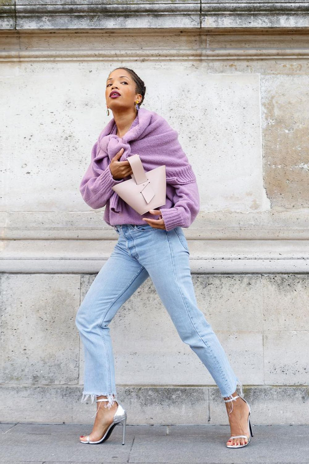 7 Jeans-and-Jumper Outfits That I Swear By For Low-Maintenance Style pics