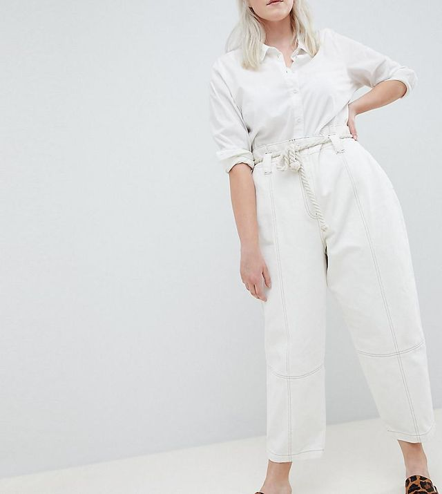 ASOS DESIGN Curve Paper Bag Waist Boyfriend Jeans With Rope Belt In White With Contrast Stitch