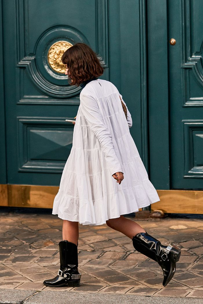 Apparently No One Packed This Shoe Trend for Paris