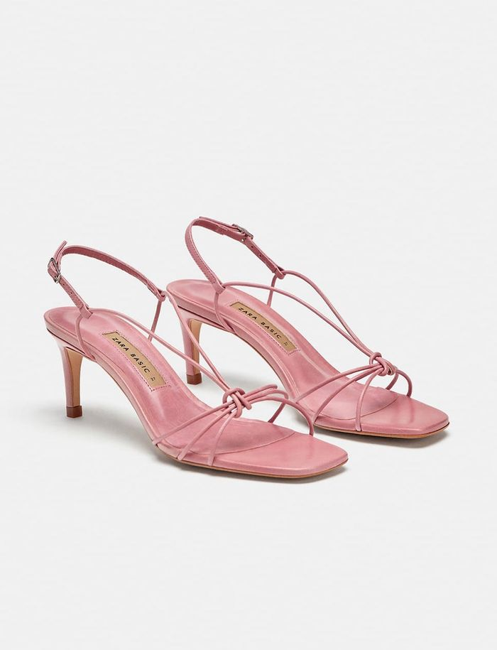e528e063d317bc A Review of Zara s Strappy Sandals