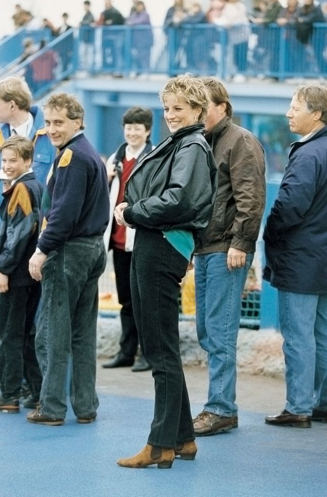 Princess Diana jean outfit '90s