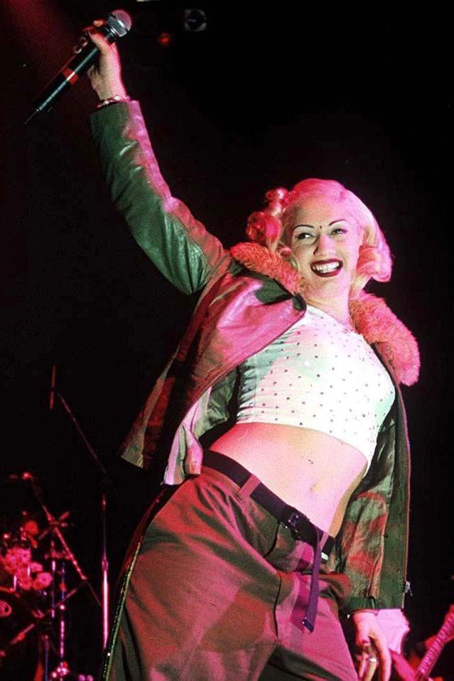 Gwen Stefani '90s crop top outfits