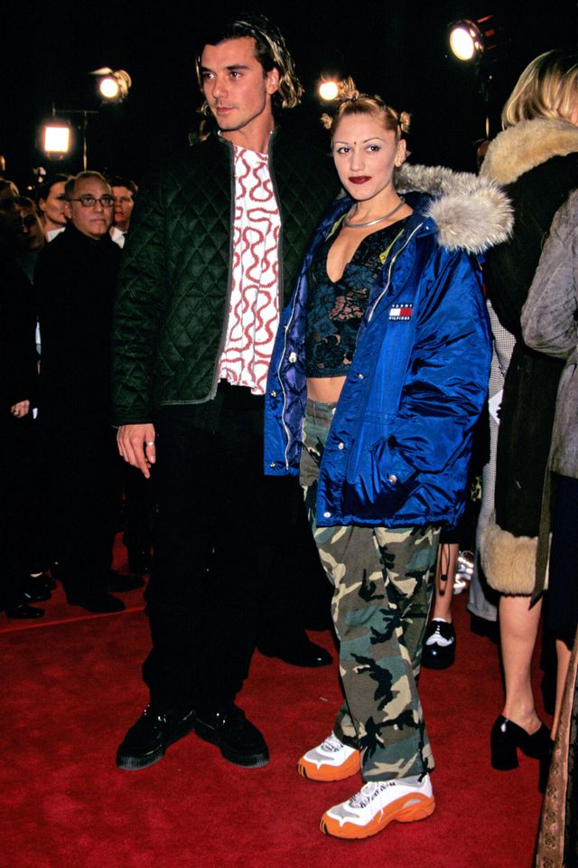 Gwen Stefani '90s sneakers outfits