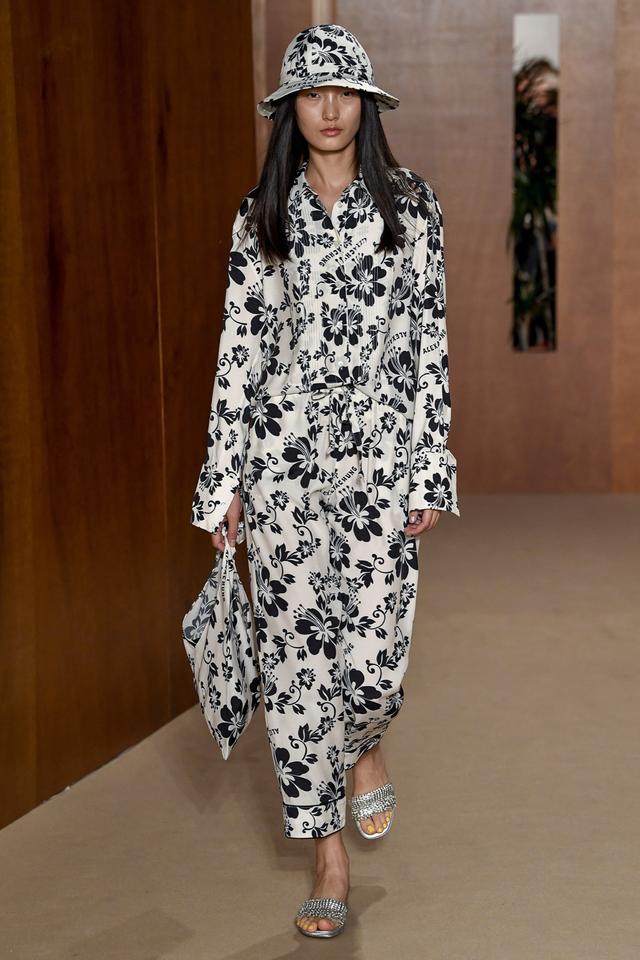 Alexa Chung handbag trends