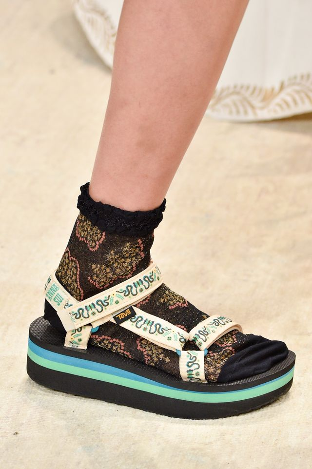 Spring 2019 shoe trends: Anna Sui S/S 19