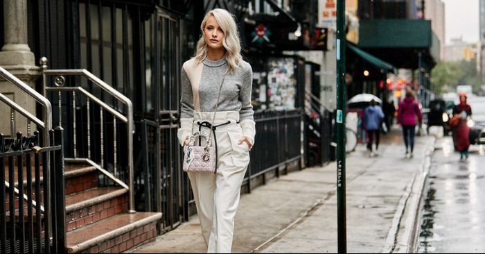 23ef62759 17 Cool, Casual Work Outfits to Wear All Winter Long – to2true.com