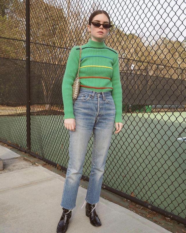 Edgy high-waist jeans outfit