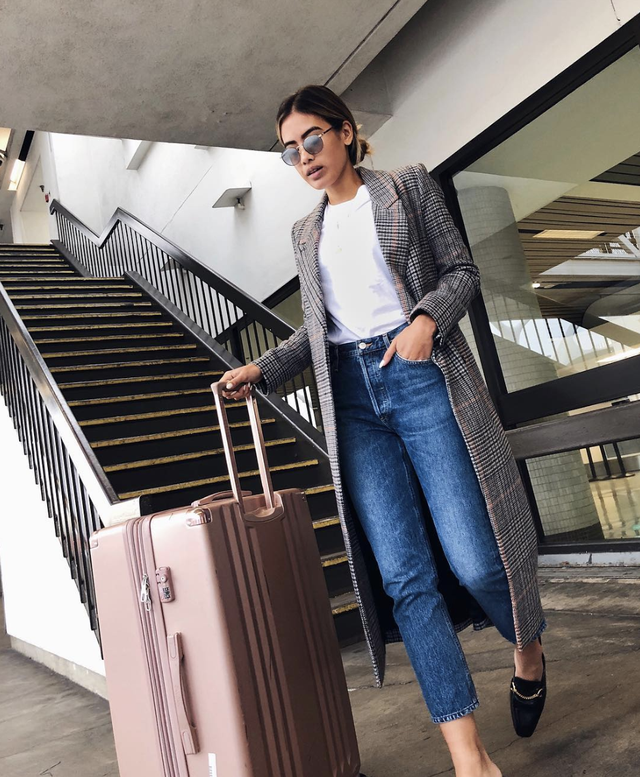 Easy high-waist outfit for airport