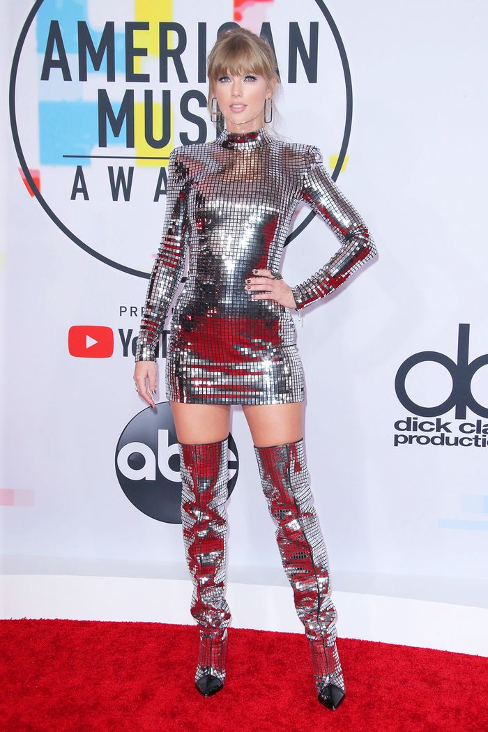 Taylor Swift Has Never Worn Anything Like This on a Red Carpet