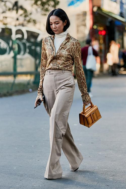roll-neck-under-shirt-fashion-trend-269896-1539251031683-image.500x0c.jpg (500×750)