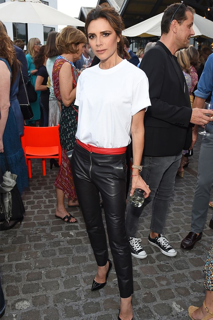 509a2321218 5 Times Victoria Beckham Made a White T-Shirt Look Like a Million Bucks