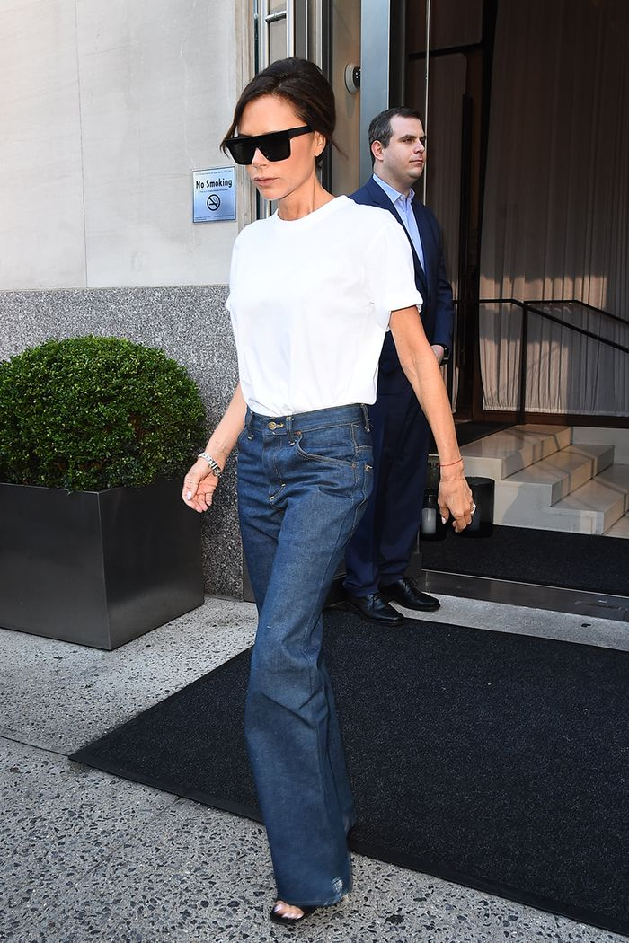 eaff2f79302 The Best Victoria Beckham White T-Shirt Outfits