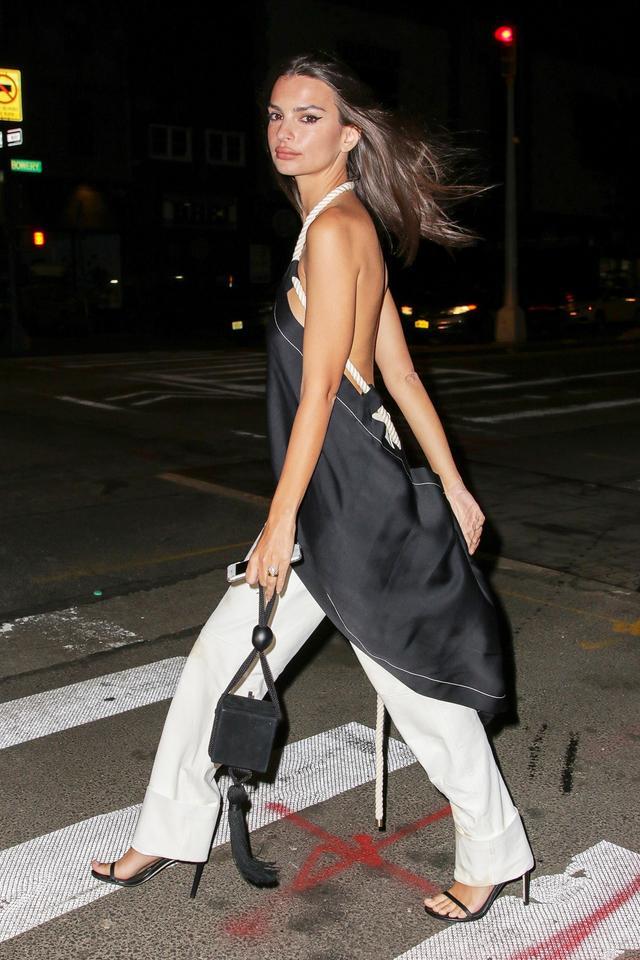 Emily Ratajkowski handbag