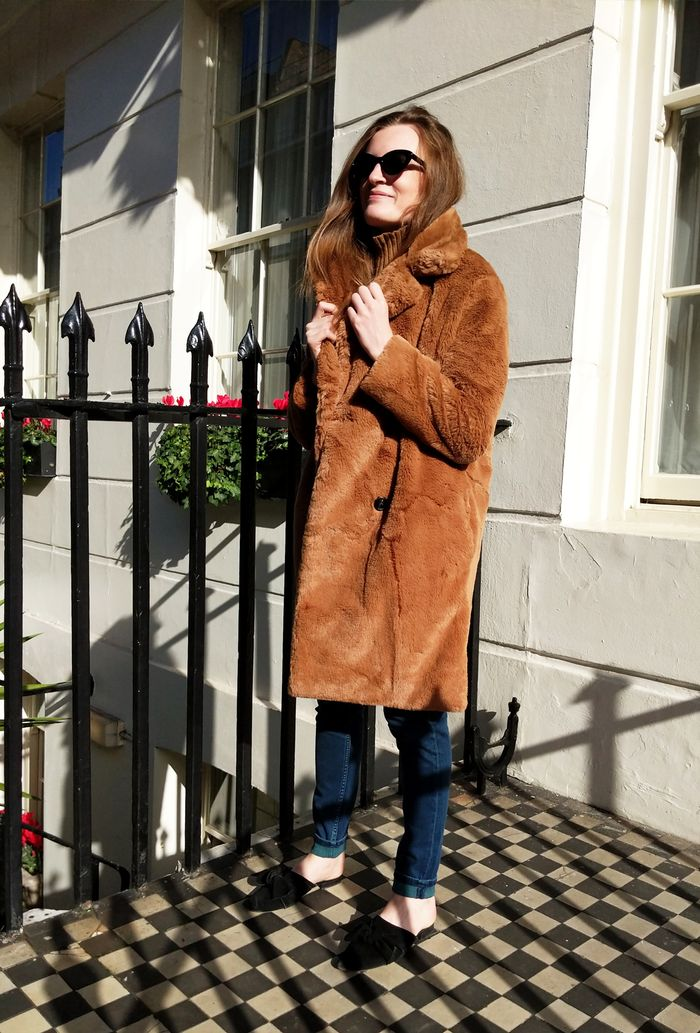 31eebcaa7 Pinterest. Photo: Isabel Mundigo Moore. On Emma: French Connection Annie  Faux Shearling Coat ...