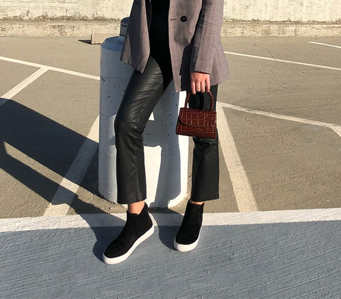 c3ce7ca2874 6 Elevated Fall Outfits You Can Wear With Sneakers | Who What Wear