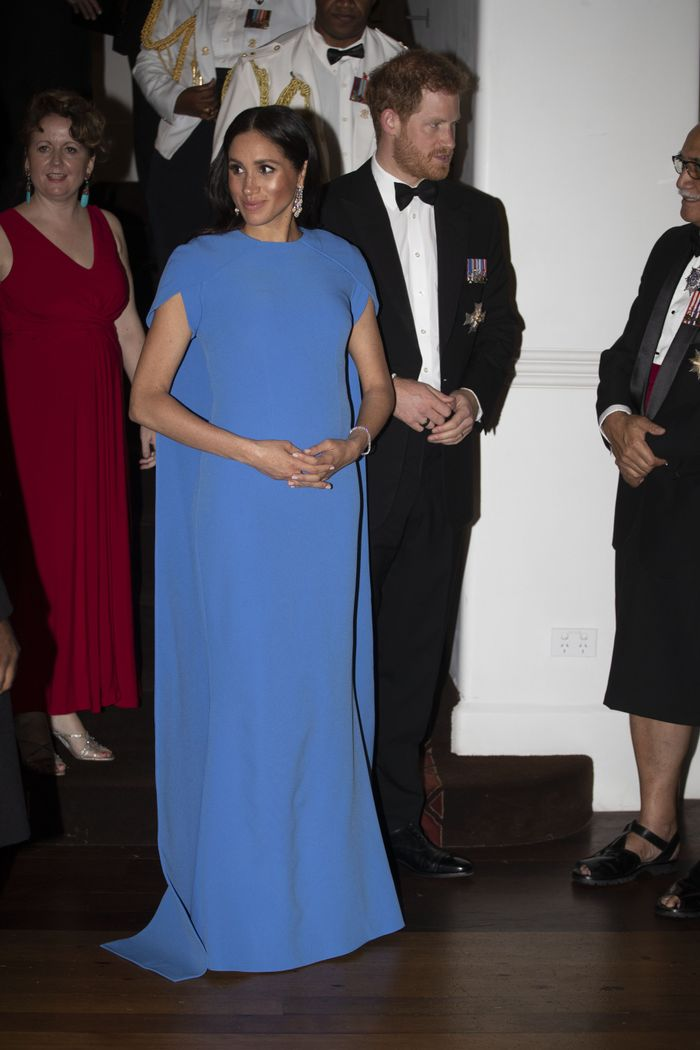 357f83631e4 ... maternity holiday dresses below that Meghan herself would approve of.  Pinterest