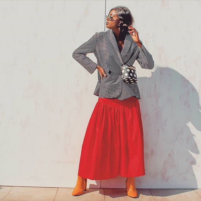 holiday outfits with skirts and plaid blazers