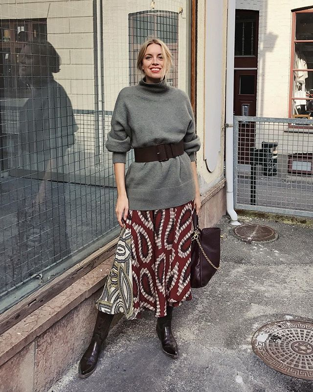 holiday outfits with belted skirts