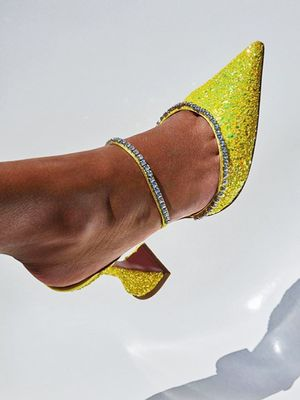 4 Shoe Trends We'll All Be Buying in 2019 (That Work Now Too)