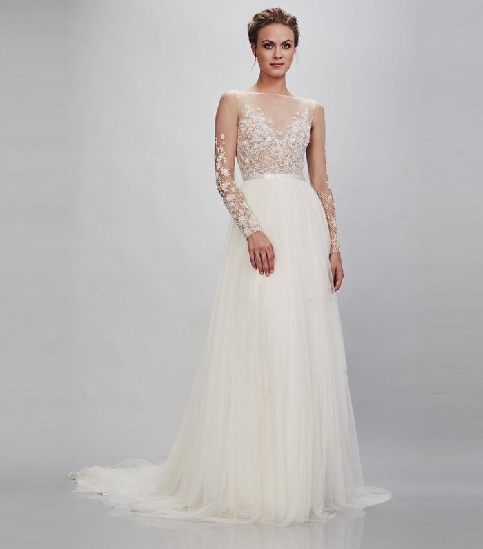 52910e49ab1d The 2019 Wedding Dress Trends to Know