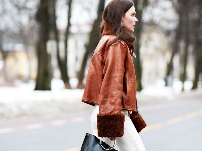 15 Cool Outfit Ideas With Brown Leather Jackets