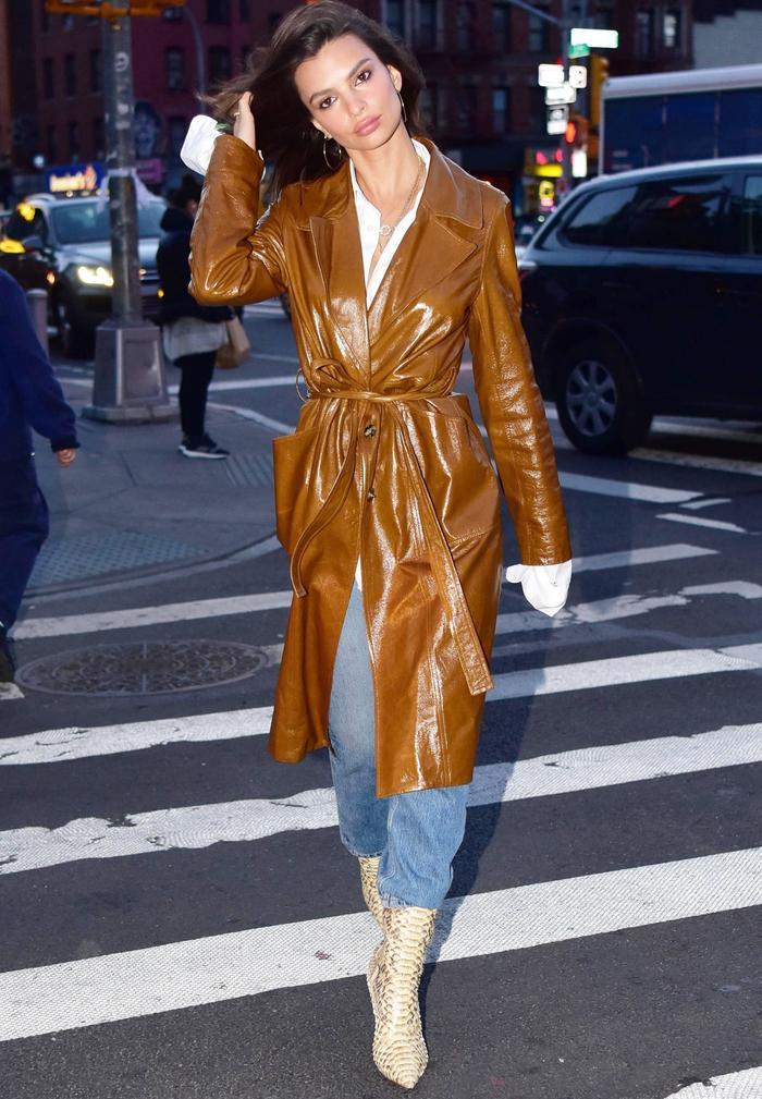 Emily Ratajkowski Just Wore Anna Wintour's #1 Fall Outfit