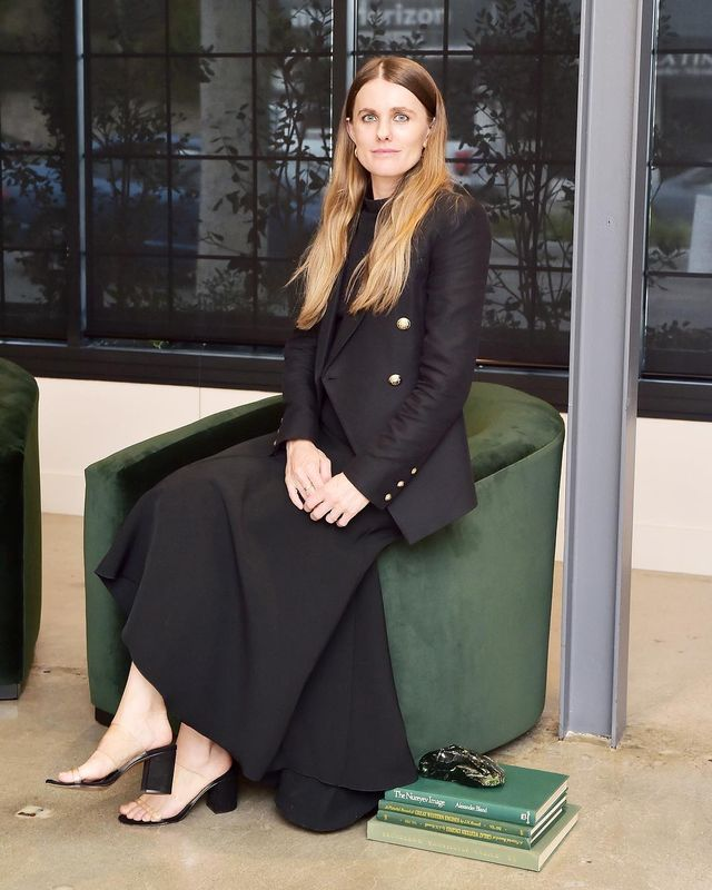 Office outfit formulas of successful women: Sacha Strebe