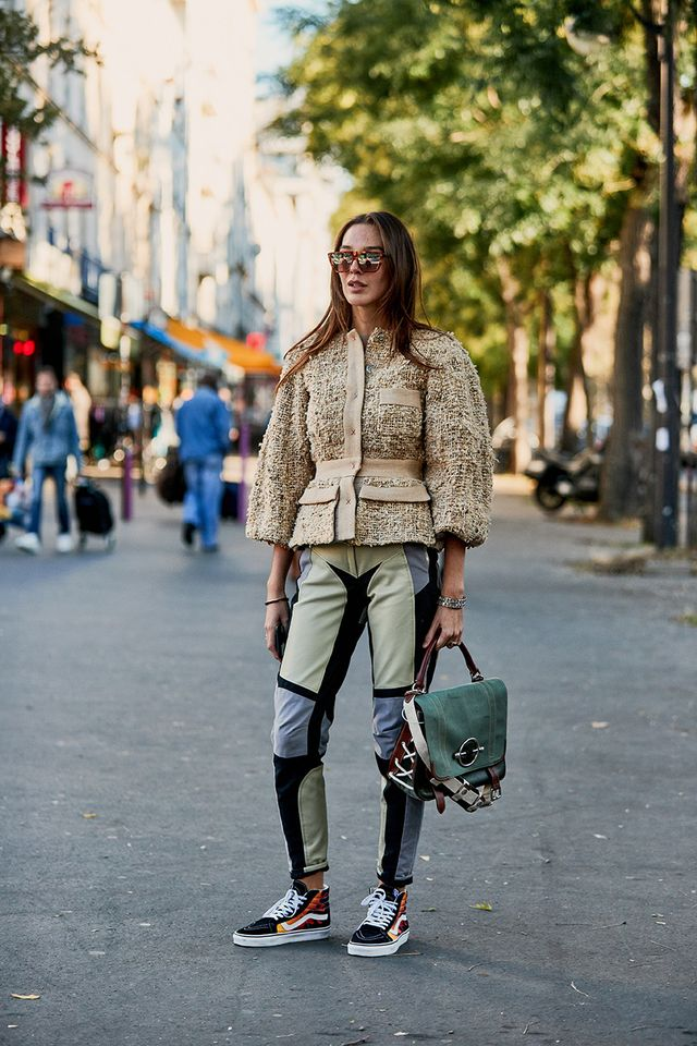 Cool high-top-Vans outfit with tweed jacket