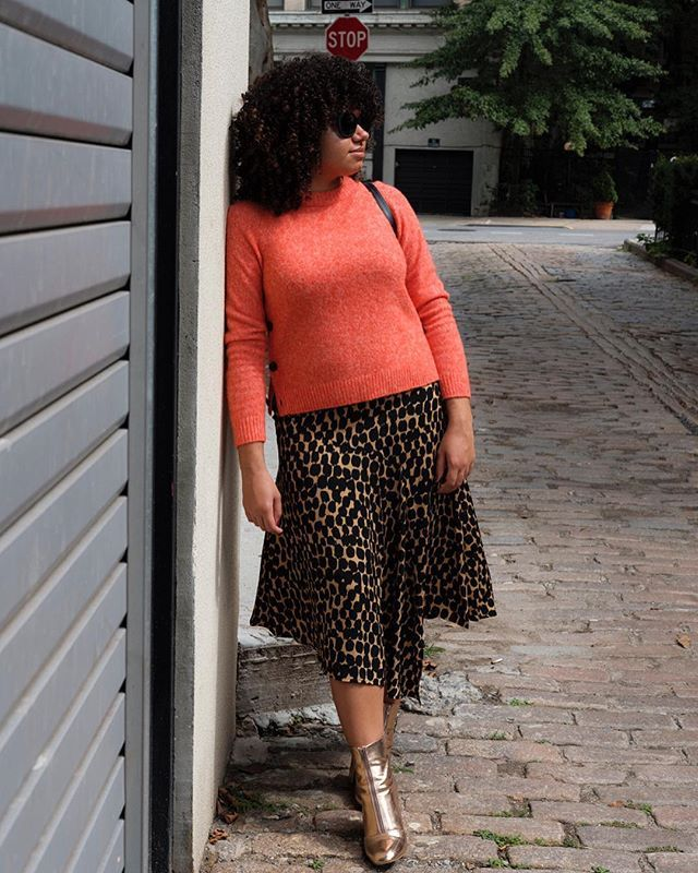 winter coffee-date outfits with a printed skirt