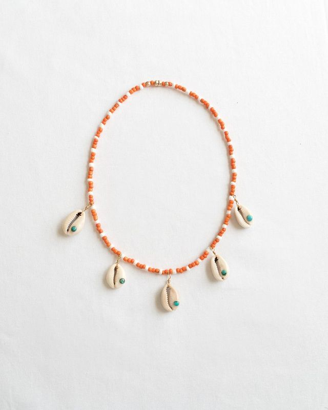 affordable trendy necklaces with shells and colorful beads