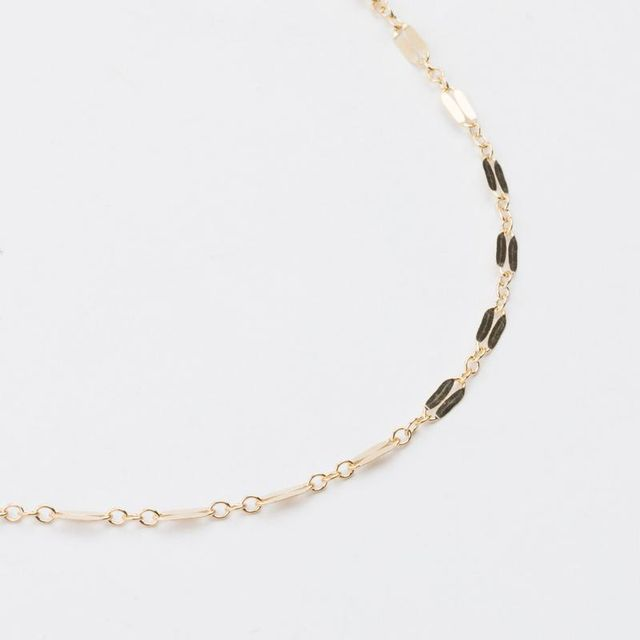 affordable trendy necklaces with textured chains