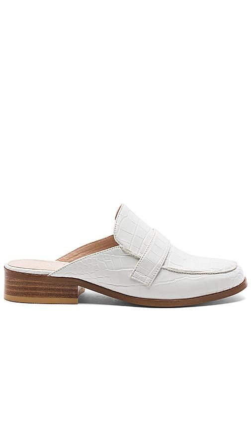 x REVOLVE La Brea Loafer in White. - size 10 (also in 7)
